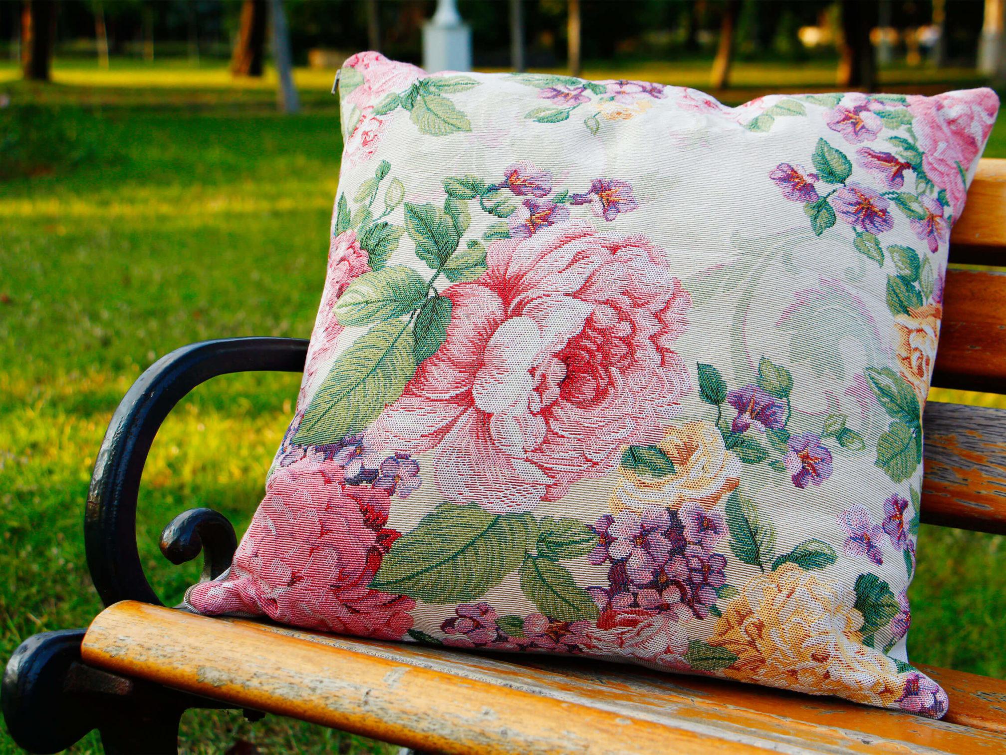 gülru-prizma-goblen-çiçek-çiçekli-desenli-kırlent-yastık-kılıfı-modelleri-fiyatları-desenleri