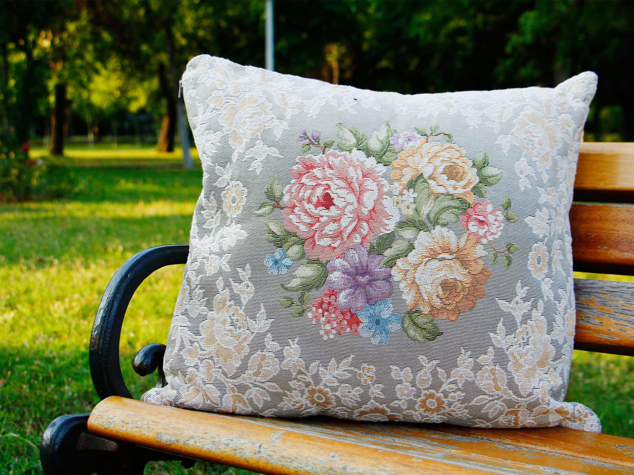 topkapı-prizma-goblen-çiçek-çiçekli-desenli-kırlent-yastık-kılıfı-modelleri-fiyatları-desenleri